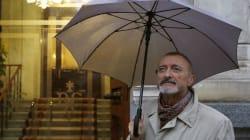 Pérez-Reverte publica lo que estaba haciendo un día como hoy hace 25 años y arrasa en