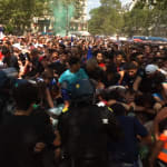 Panique et mouvement de foule à l'entrée du Champ-de-Mars, les supporters forcent les