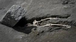À Pompéi, des chercheurs ont trouvé un homme écrasé par un rocher dans sa