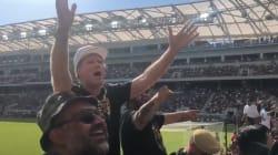 Will Ferrell met le feu au stade de son équipe de