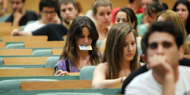 Un grupo de estudiantes, preparados para la prueba de la EBAU, en una imagen de archivo.