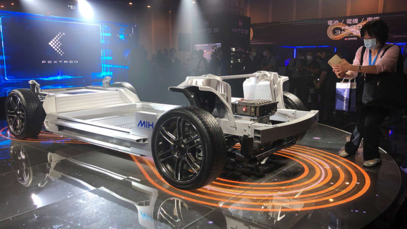 Foxconn, the company that assembled your iPhone, unveils electric car chassis