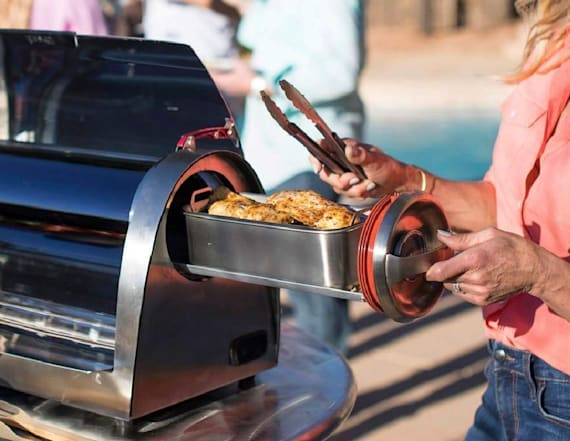 This grill uses the sun to cook your food