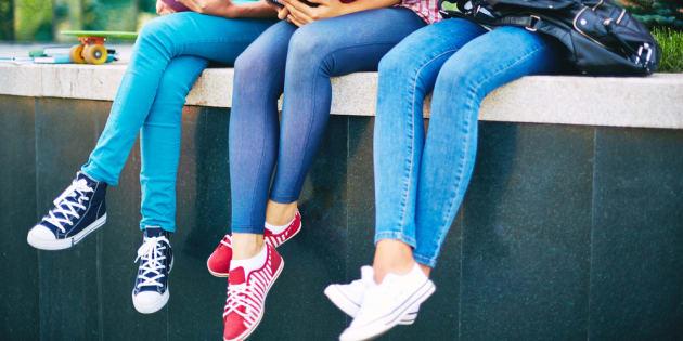 Comment aider les jeunes filles à se sentir à la hauteur.