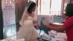 Il gesto di questa sposa dimostra che andare a votare è un diritto da