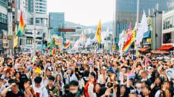 韓国・釜山で初開催のプライド・パレード 反対派による妨害も…