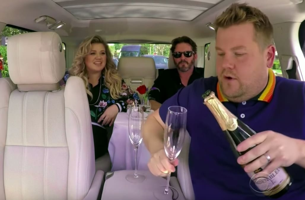 Kelly Clarkson turns 'Carpool Karaoke' into romantic date