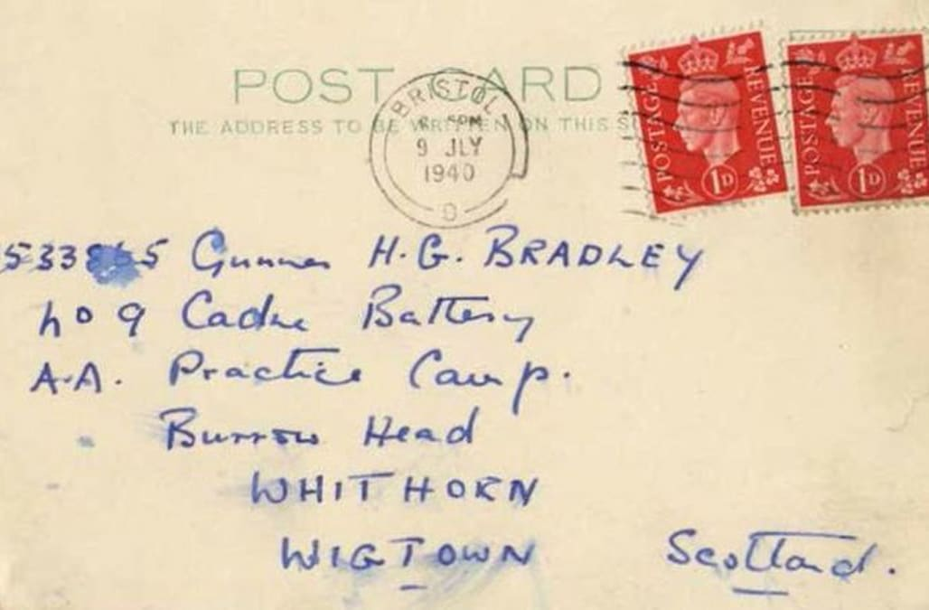 300 Love Letters Discovered Between Two Gay Men During