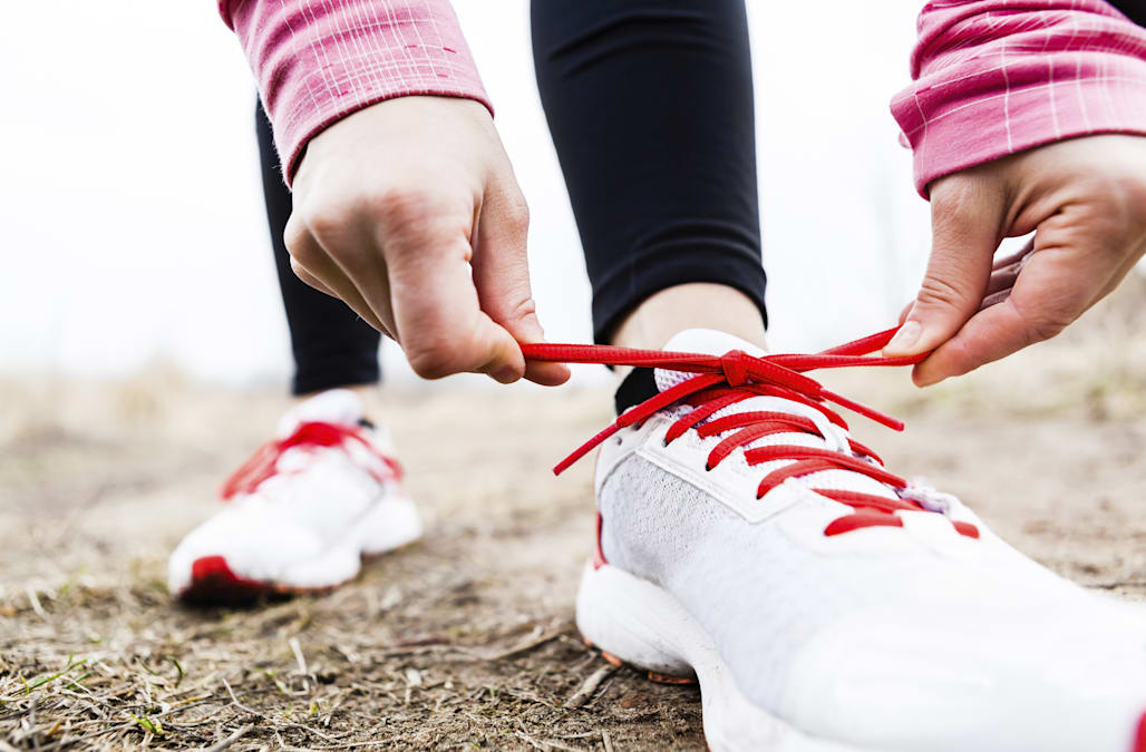 10a028d99b28 Science says you ve been tying your shoelaces wrong your whole life ...