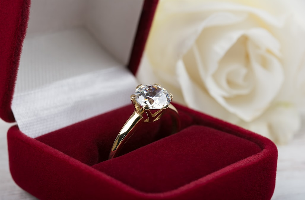 15 breathtaking engagement ring accounts you have to follow on ...