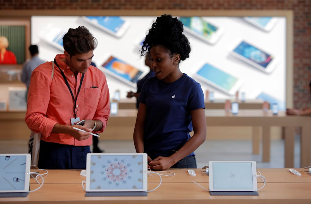 Apple Is Opening Applications For Work From Home Positions Aol Finance