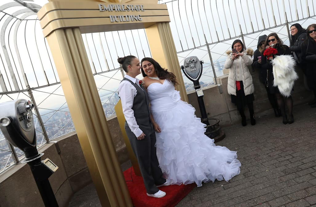 New York Feb 14 Reuters Love Was In The Air Atop Empire State Building On Tuesday As Two S Got Married And One Renewed Their Vows