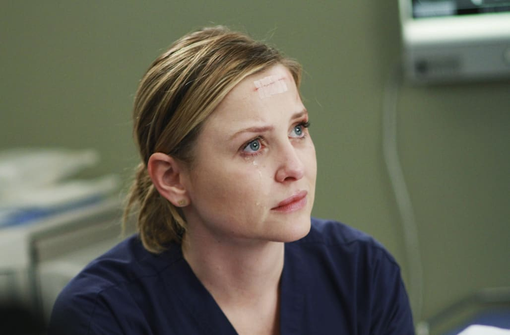 How Greys Anatomy Said Goodbye To Sarah Drew And Jessica Capshaw