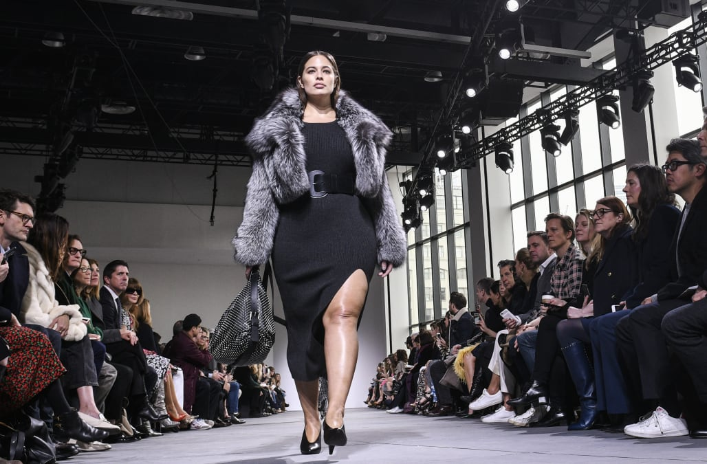 Presenting All 27 Plus Size Models Who Walked At New York Fashion Week Aol Lifestyle