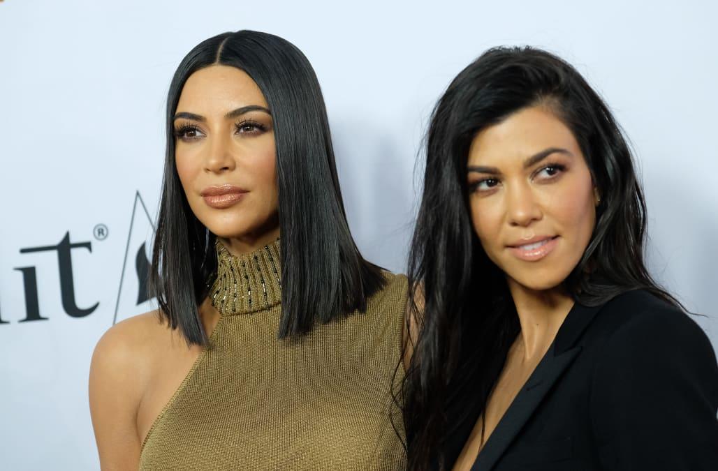 Kim And Kourtney Kardashian Kendall Jenner Visit New Mom Khloe In