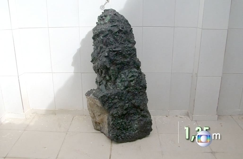 Image result for huge emerald found in Brazil