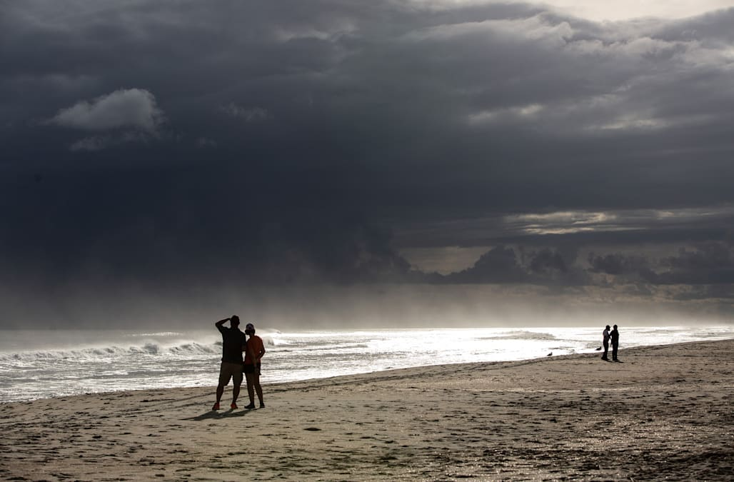 WILMINGTON, N.C. (Reuters)   Coastal North Carolina Felt The First Bite Of  Hurricane Florence On Thursday As Winds Began To Rise, A Prelude To The ...