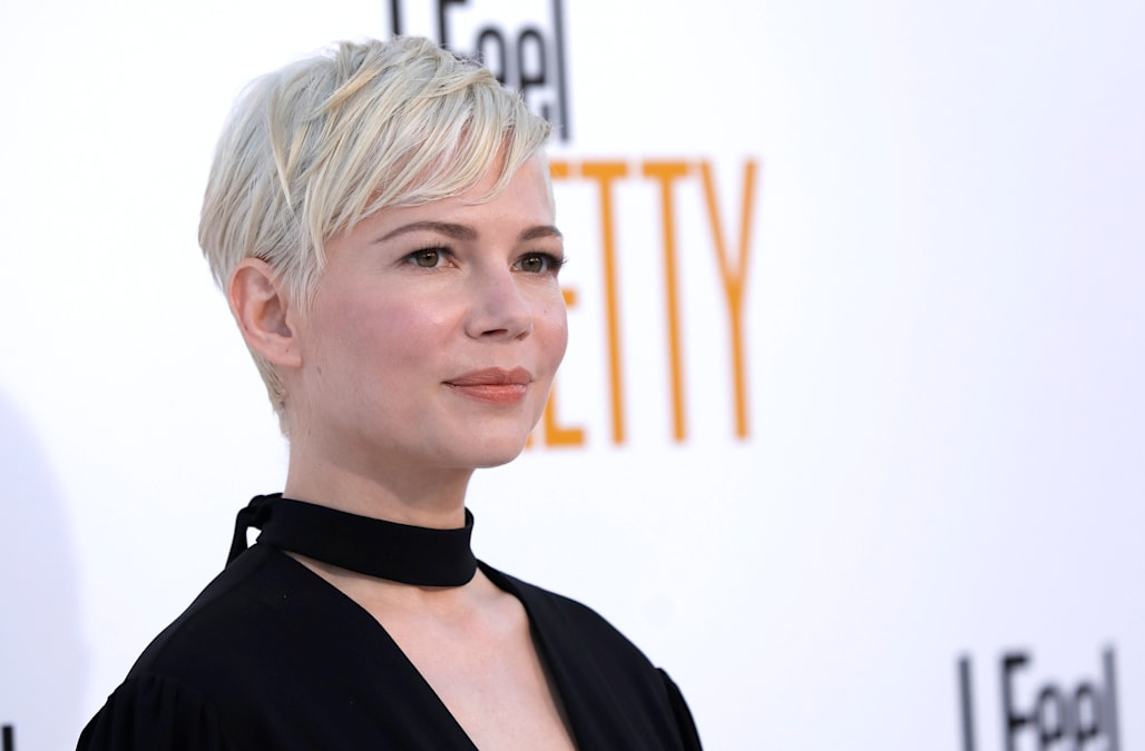 Michelle Williams Is An Unexpected Scene Stealer In This Weekends I Feel Pretty But Take A Closer Listen The Oscar Nominees Vocal Performance