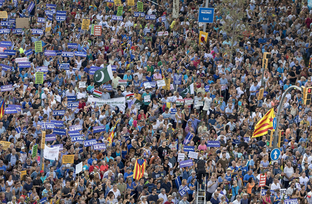 Hundreds of thousands marched in Barcelona in a show of unity on Saturday evening amid chants of 'I am not afraid' after two Islamist militant attacks in ...