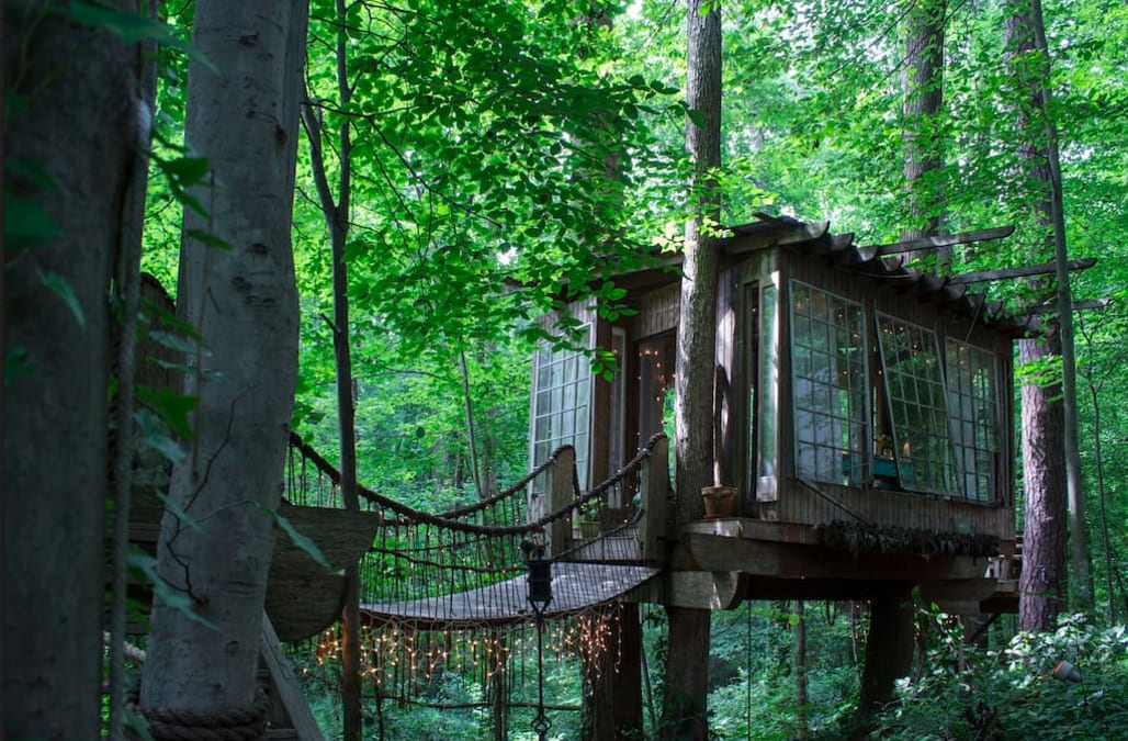 This cozy, romantic treehouse is the perfect destination for