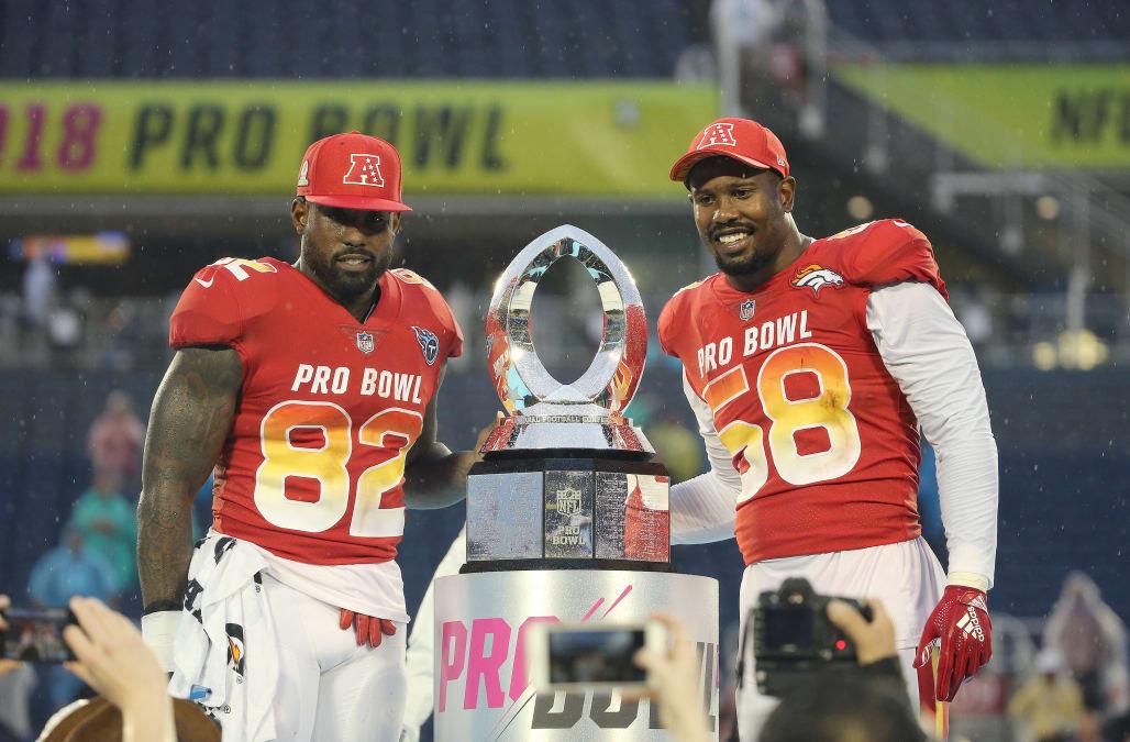 pretty nice 6f652 fb788 Raiders' Derek Carr rallies AFC to Pro Bowl victory - AOL News