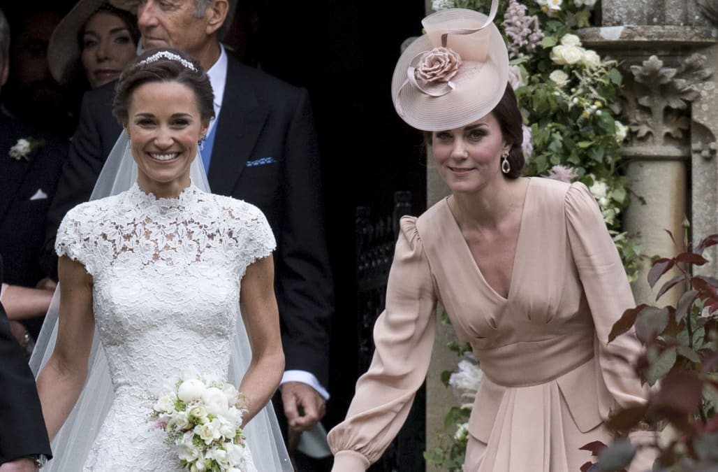 Everyone has mixed feelings about Duchess Kate's dress for ... - photo#34