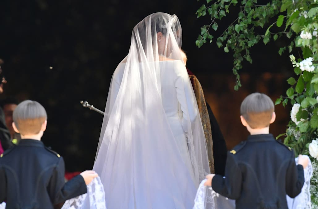 The Special Meaning Behind Meghan Markles Wedding Veil Aol Lifestyle