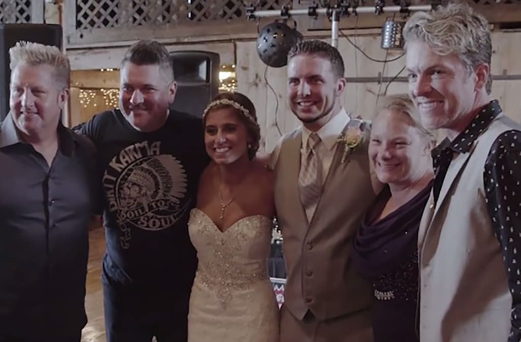 Rascal Flatts Amazingly Surprises Bride And Groom At Wedding