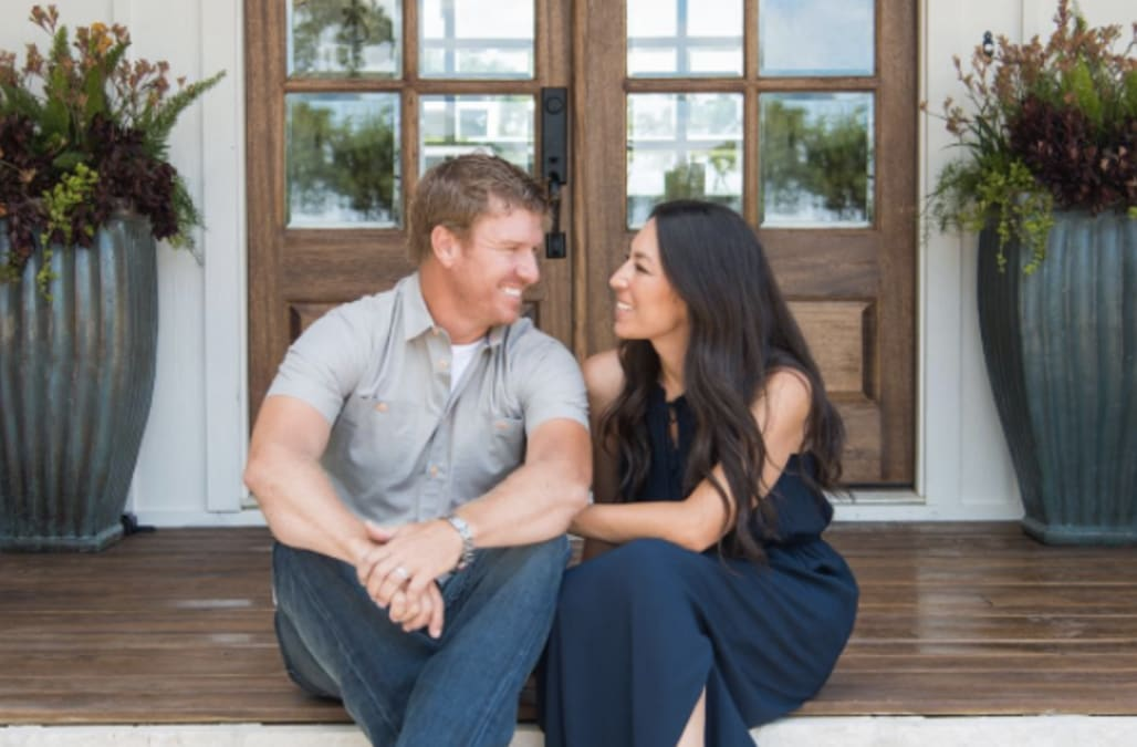 In Vain To Book A Texas Weekend At Chip And Joanna Gaines Magnolia House Then You Ll Be Excited Know That The Fixer Upper Has Red