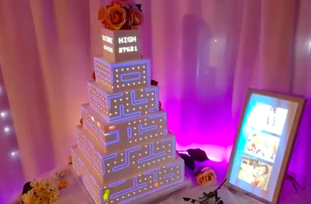 Company Revolutionizes Wedding Cakes With Digital Projections And Its Totally Insane