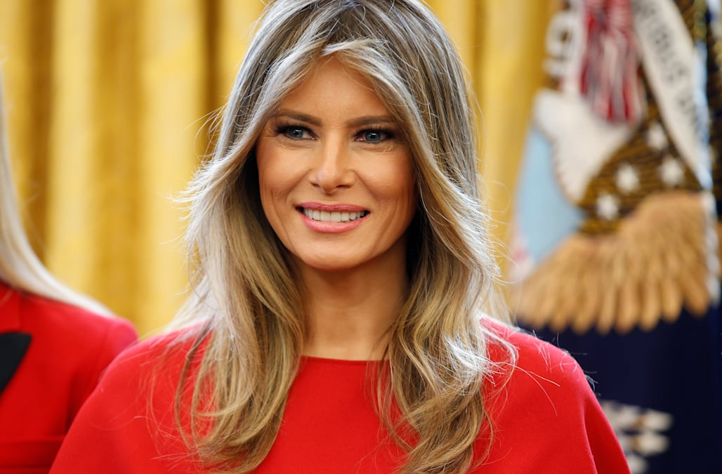 2e610e149ec7 Twitter is ignited by Melania Trump s official portrait as first lady