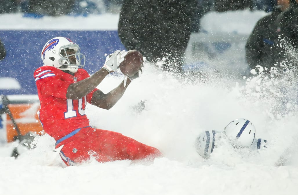 Lesean Mccoy Scores Walk Off Td To Play Hero For Bills In Wild Finish To Snow Bowl Aol News