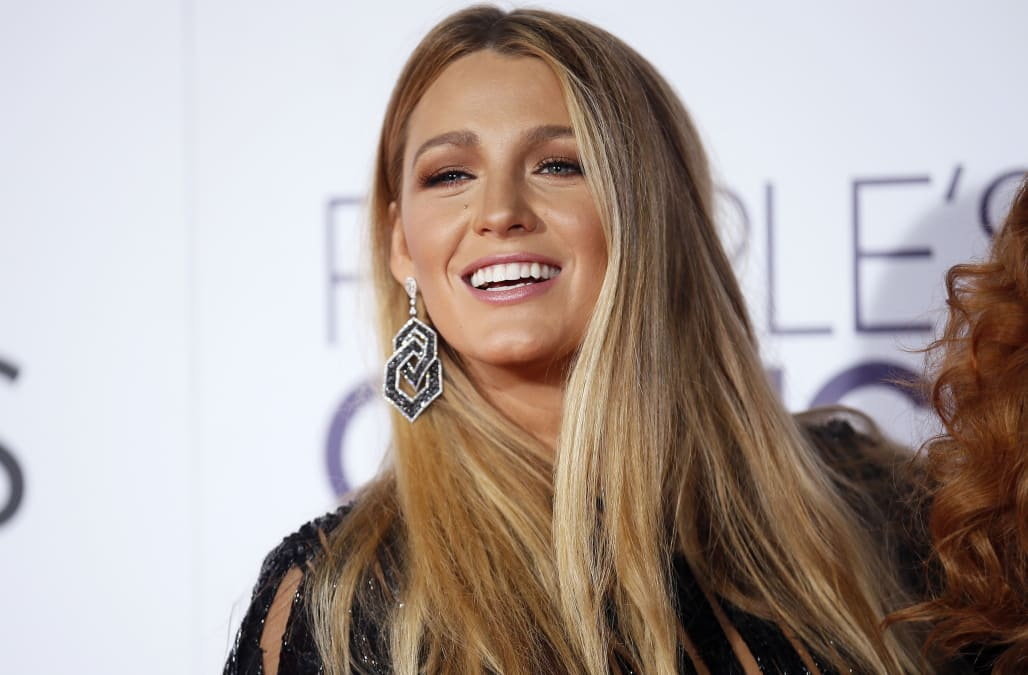 Blake Lively Debuts Much Shorter Hairstyle At La Screening Of All I