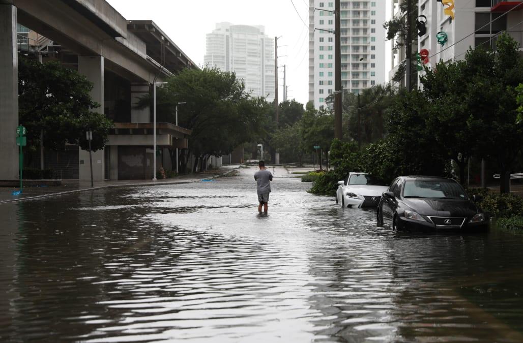 Hurricane Irma Threatens Florida S Bustling Tourism