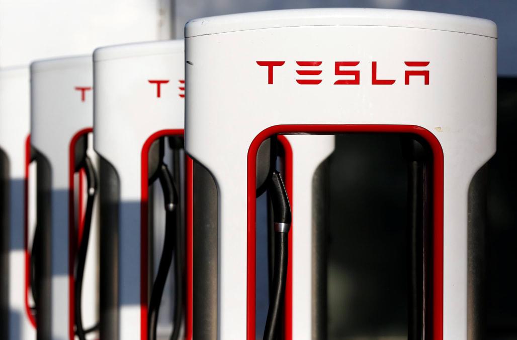 Tesla is dethroned as the largest us automaker aol finance for Tesla motors careers login