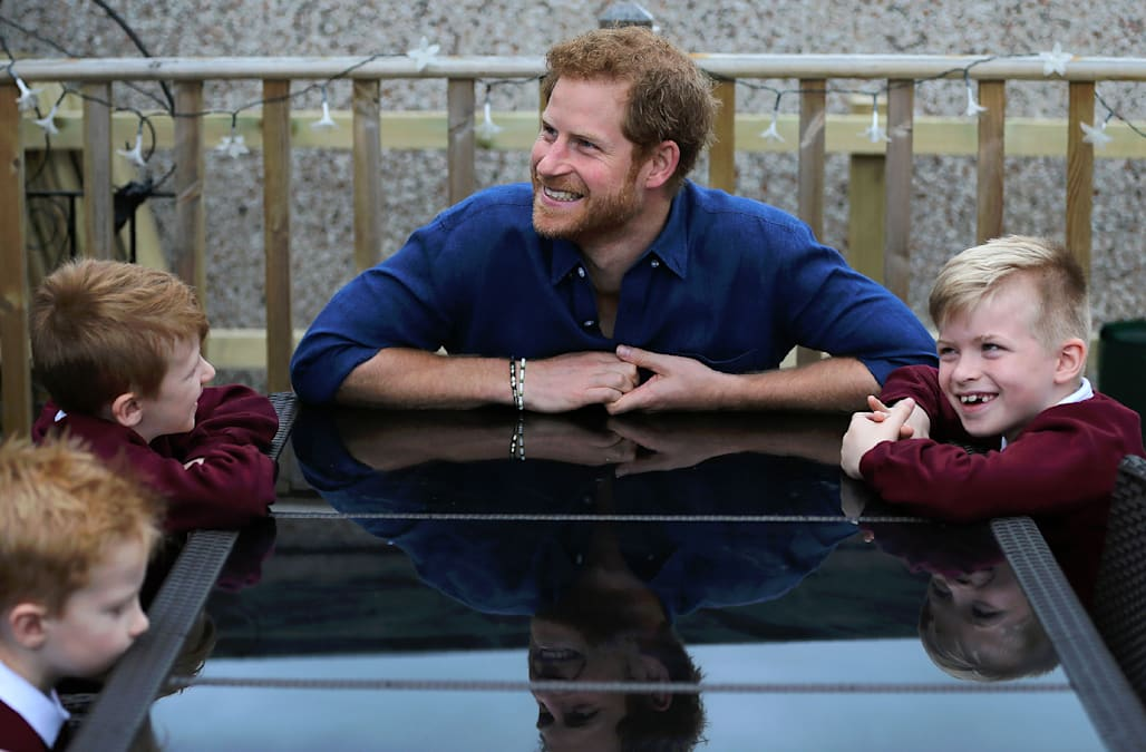 Prince harry visits seriously ill 5 year old boy helps for Classic house akasaka prince