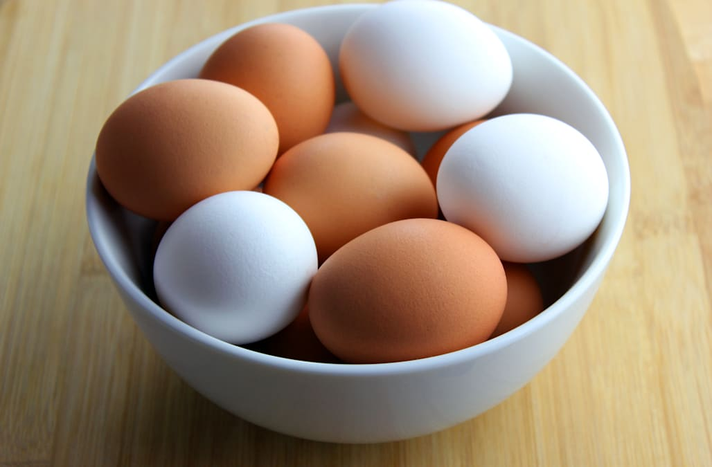 The surprising difference between white eggs and brown ...