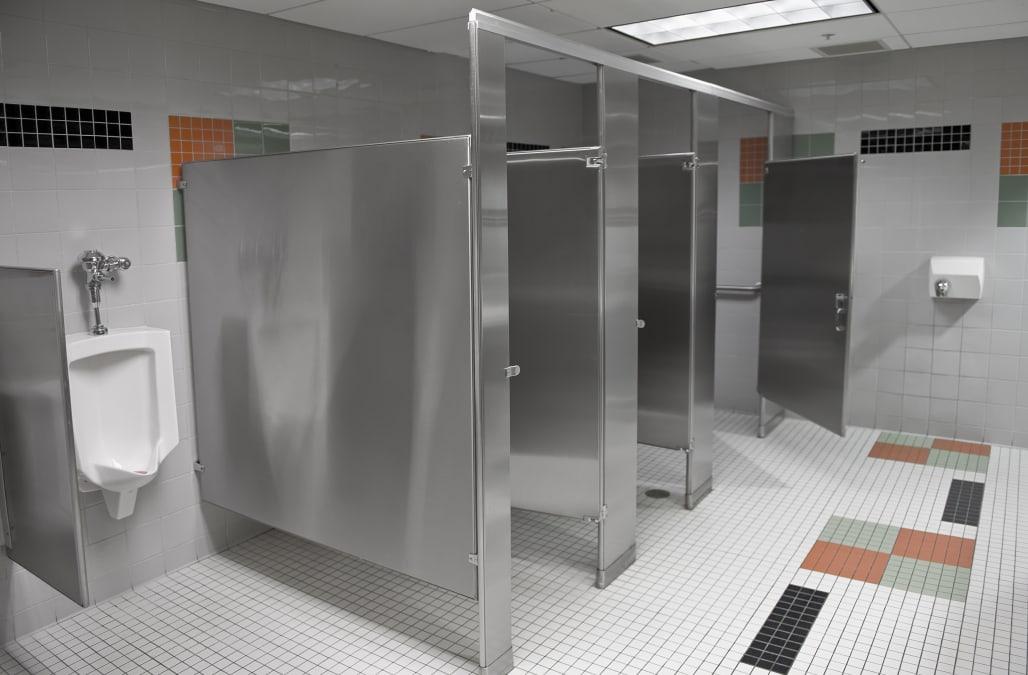 9th street public washrooms