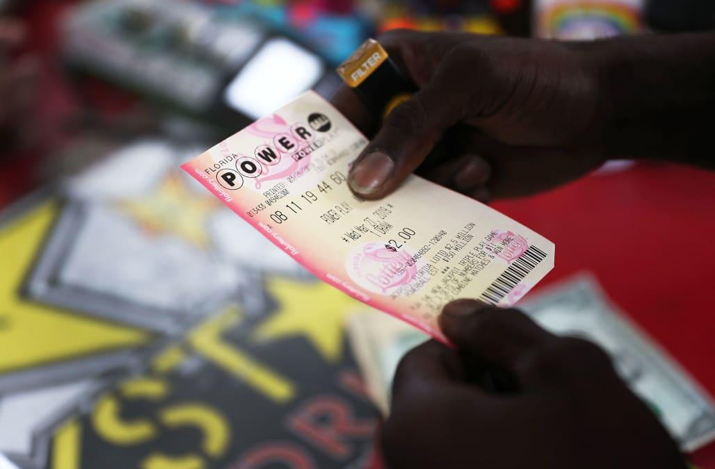 Winning $768M Powerball ticket sold in Wisconsin - AOL News