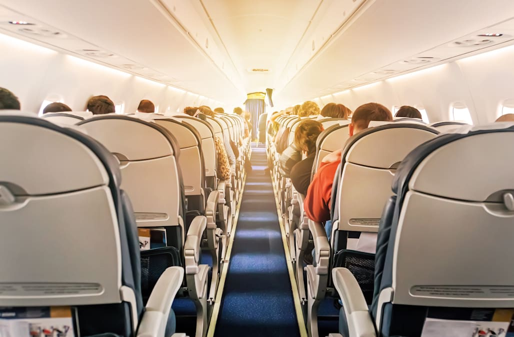 What Could Happen If You Don T Put Your Phone On Airplane Mode During Flights Aol Lifestyle