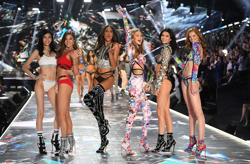 Here S Where You Can Watch The 2018 Victoria S Secret Fashion Show