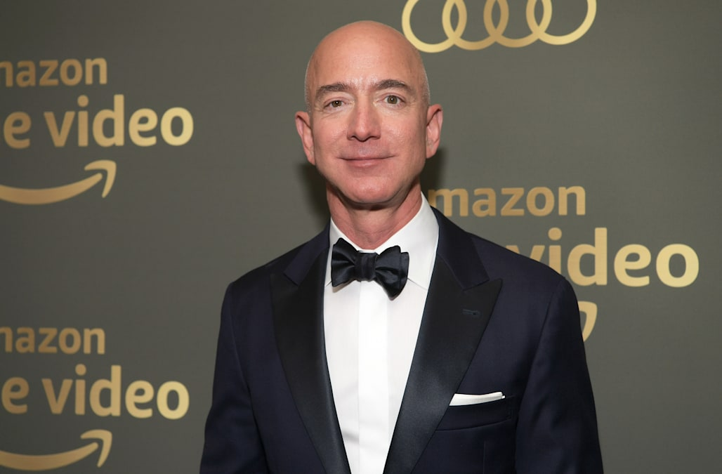 Photographer Snapped Jeff Bezos With Alleged Mistress At Golden