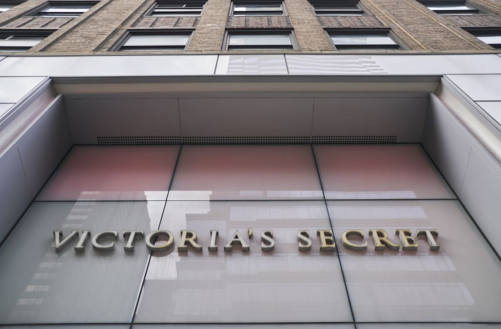 Victoria S Secret Is Closing Dozens Of Stores Aol Finance