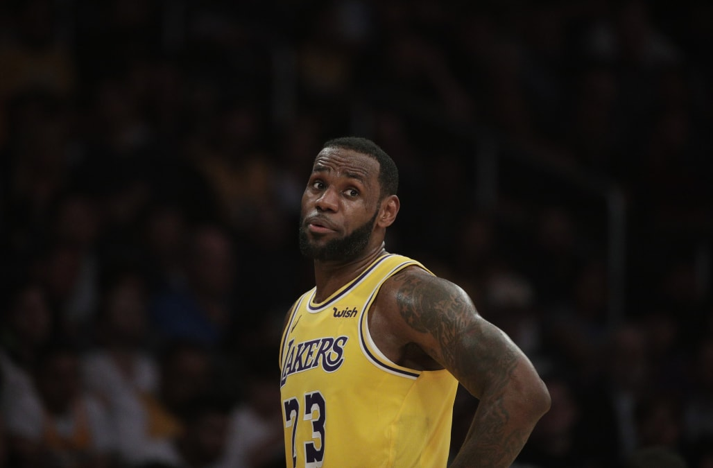 358cde757ffc Lakers decide to sit LeBron James for the rest of the season - AOL News