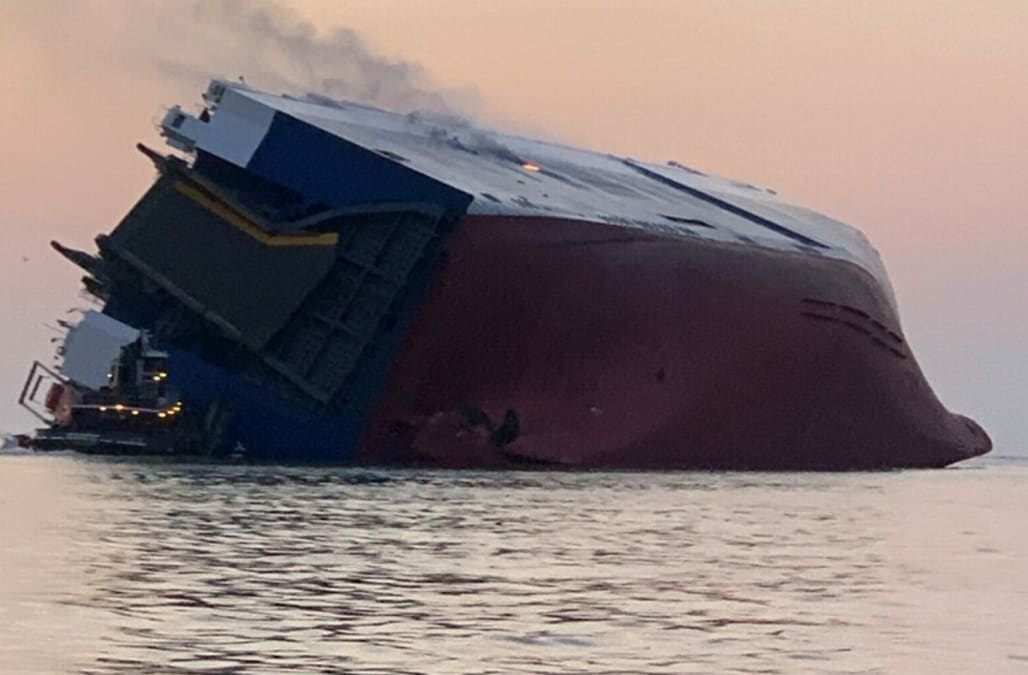 4 missing after ship capsizes and burns off Ga. coast - AOL