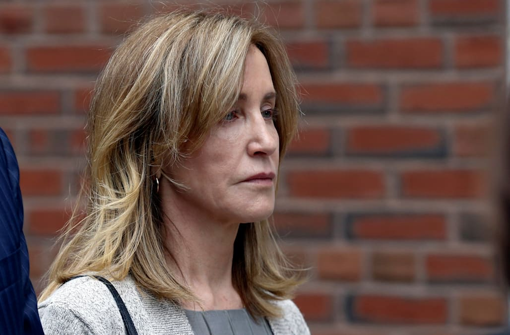 Felicity Huffman spotted trying to go unnoticed in New York: report - AOL