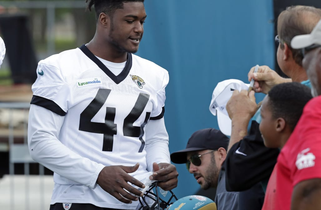 size 40 054ad d169a Jaguars linebacker Myles Jack ejected after throwing punch ...