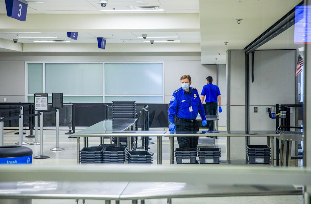 JetBlue becomes first airline to require passengers to wear masks - AOL