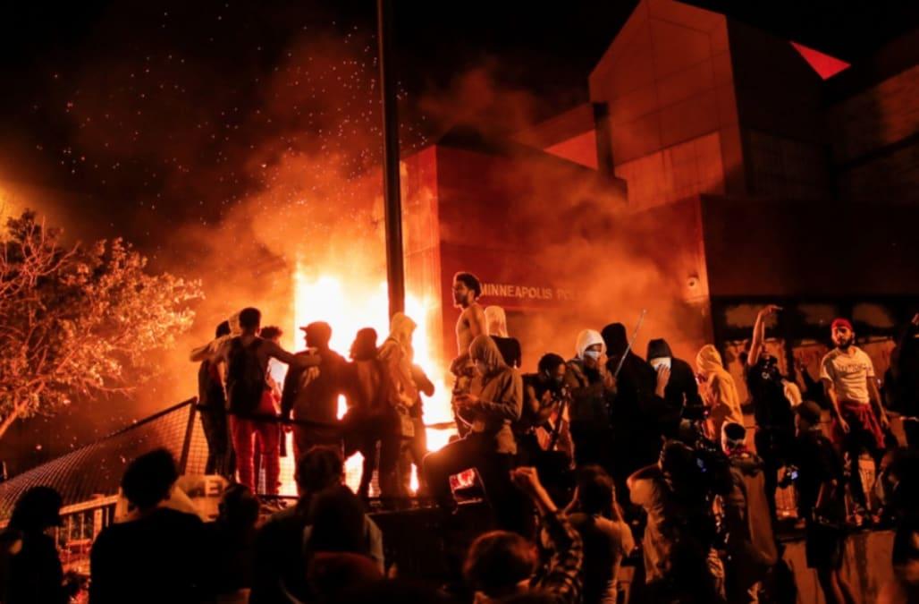 George Floyd protesters breach police station, set fire - AOL News
