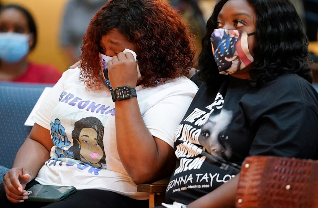 Louisville Police Declare State Of Emergency As City Braces For Breonna Taylor Decision Aol News
